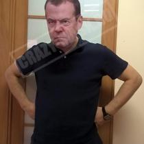 Маска «Медведев под дождем»